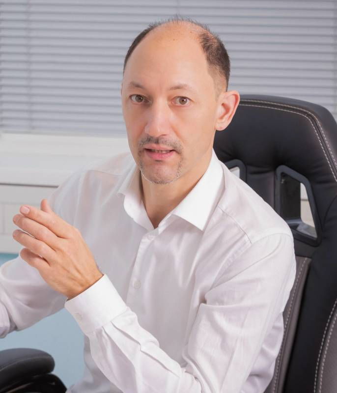 Mag. (FH) Alexander Fegerl, Dipl. Systemischer Kinesiologe, Wien 22